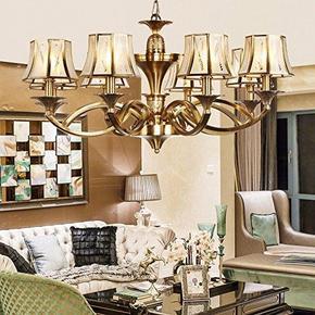 款欧式吊灯是8个头的,直径86cm,适合15-20平米的空间;倾城巴洛克风格